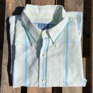 🎈NEW LISTING!  Men's Jos. A. Banks Stripped Shirt